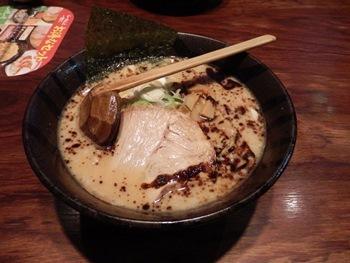 4/9 醤油豚骨ラーメン  壱鵠堂