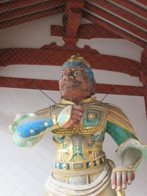 中門の二天王像(吽形)