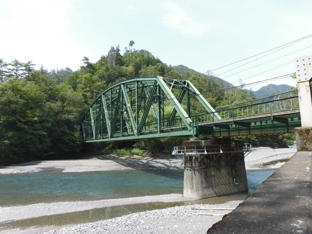 遠山川橋りょう