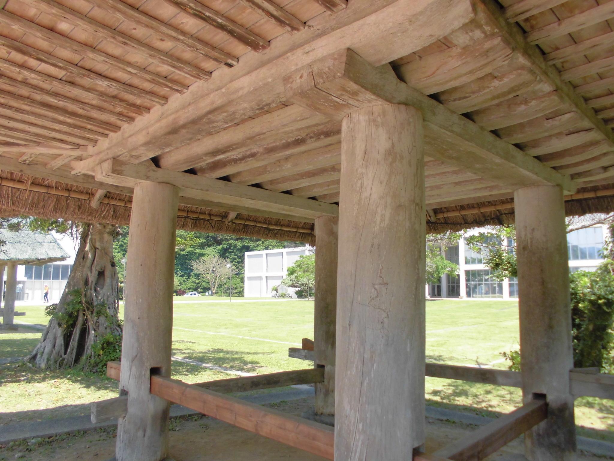 高倉の構造
