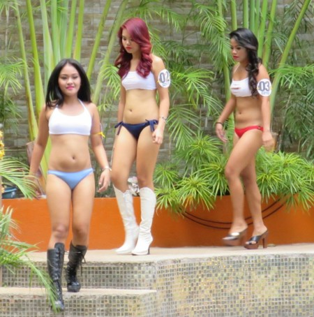 miss club asia pool031117 (4)