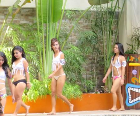 miss tropix17 pool (5)