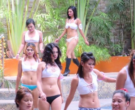 miss tropix17 pool (8)