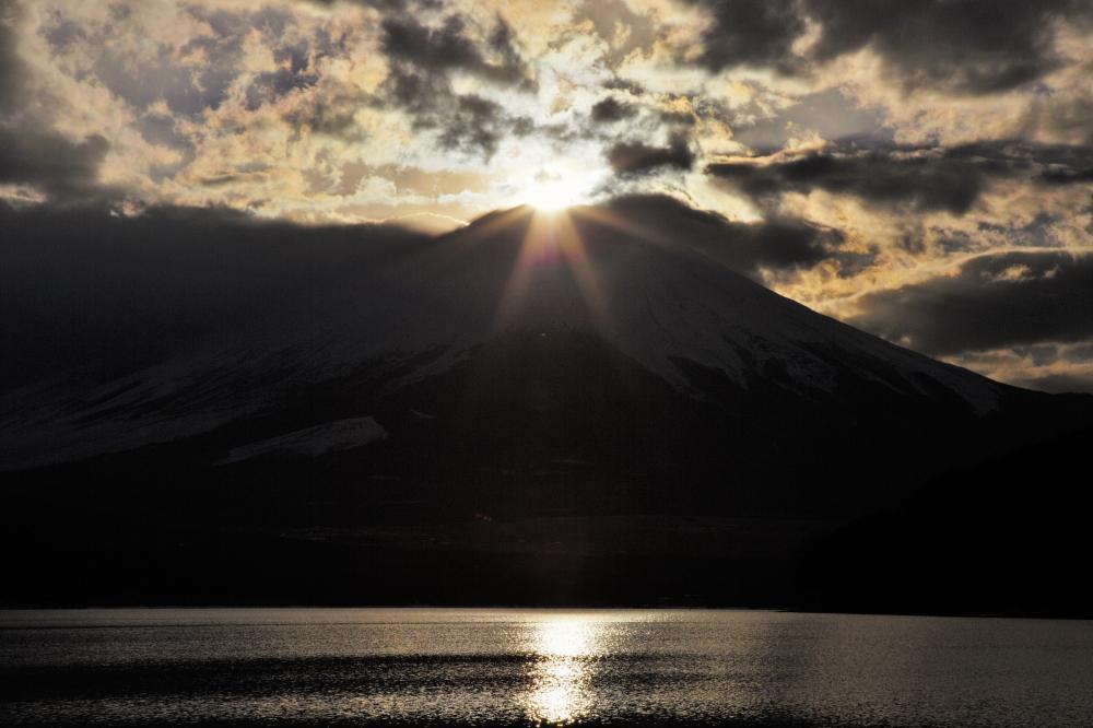 富士に沈む陽
