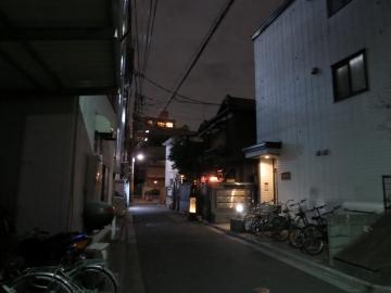 店前の路地