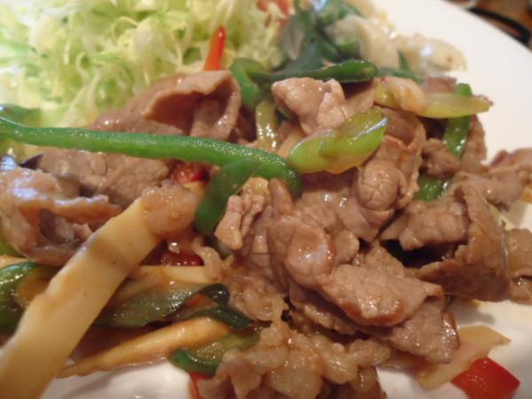 3/11 ソフィア・牛肉と野菜のデミグラスソース炒