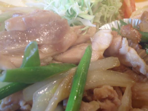 4/4 ソフィア・鶏肉と野菜のうま炒め