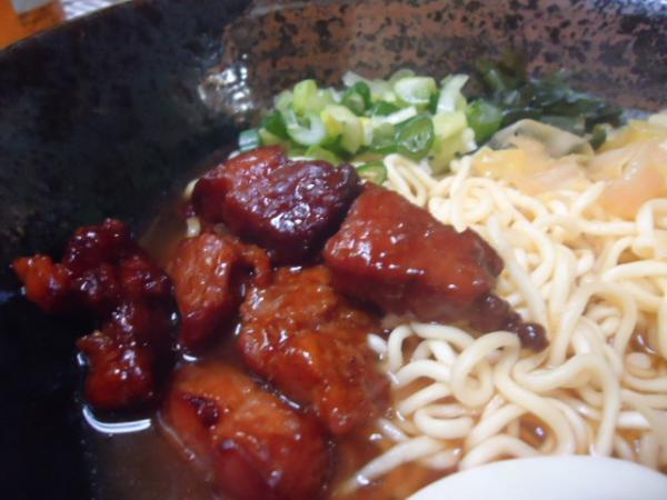 4/10 家食・豚角ラーメン