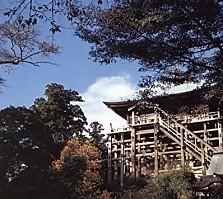 笠森寺四方懸造り