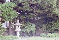 三井倶楽部庭園入口