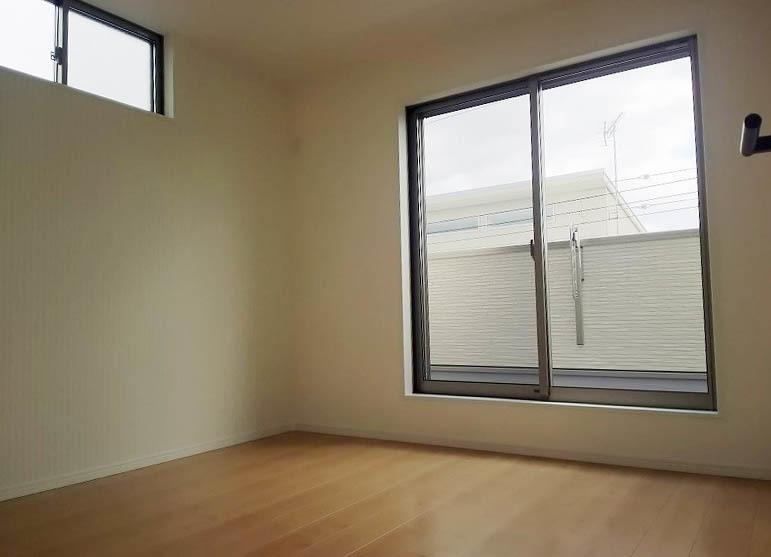34洋室3階北側窓