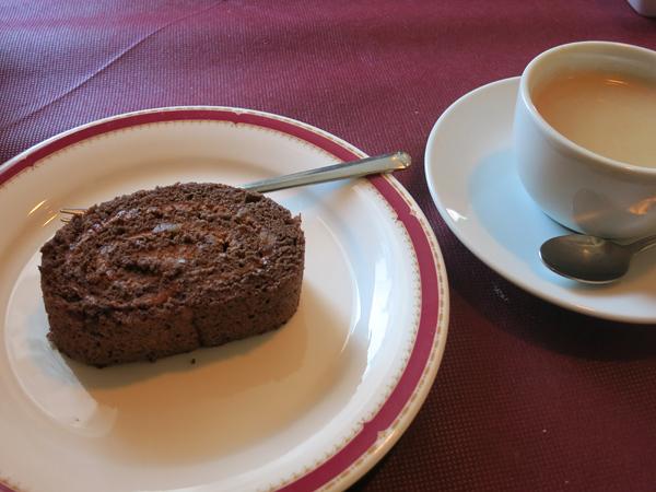 レストラン Ari コーヒーとケーキ