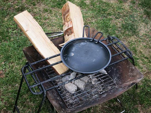 グリルパン 焚火ロストル 薪