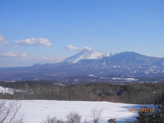 嬬恋バラギ高原よりの浅間山です。