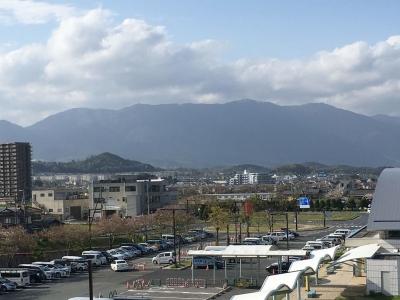 頂上付近に残雪が残る比良山(4月19日15時30分頃)