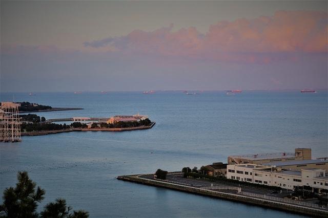 野島公園展望台から東京湾の眺め