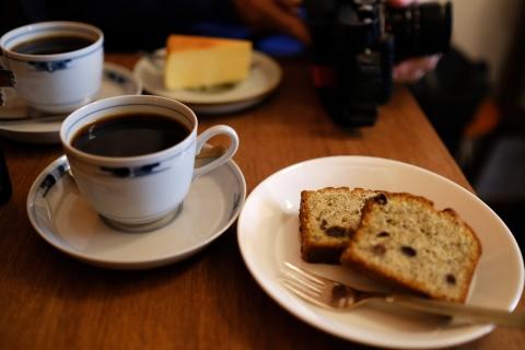 02グァテマラと紅茶とのケーキ