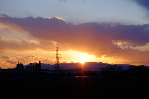 38鶴見川の日没