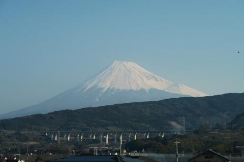 01新幹線から富士山