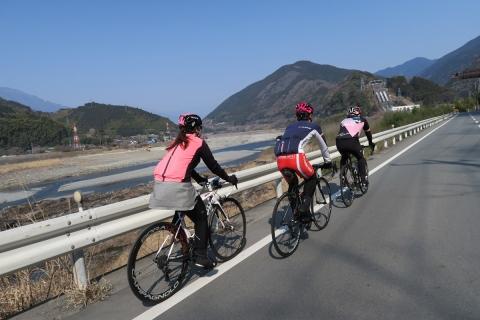 16富士川に沿って