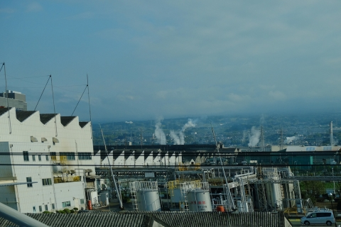 01新幹線の車窓から新富士近く