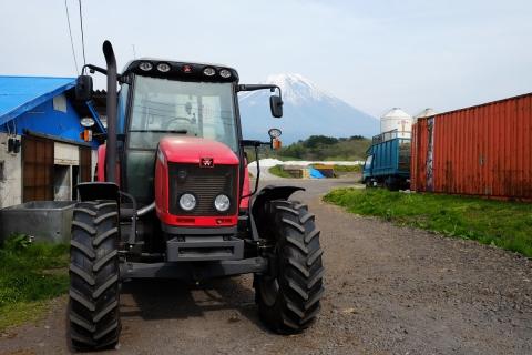 52トラクターと富士山