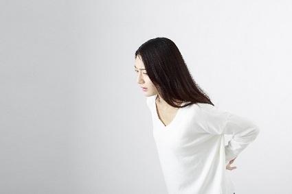 腰痛の女性
