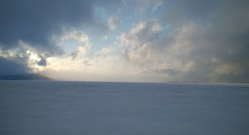 結氷のサロマ湖