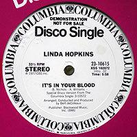 LindaHopkins-ItsInシール痕200