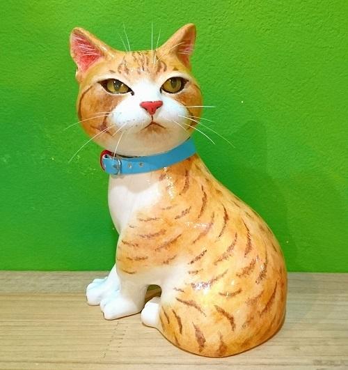 お座り猫1