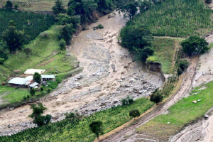 Huila-flood-3-colombia-feb-2017-768x512コロンビア