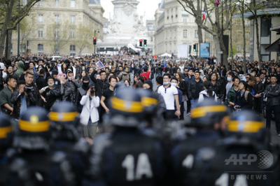 img_379ebb62d70d0739b718d9f270e075c9214950仏パリで中国人ら6000人デモ