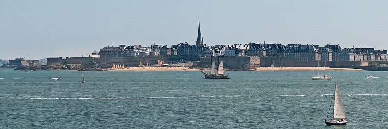 Saint_Malo_from_Dinard,_France_-_July_2011