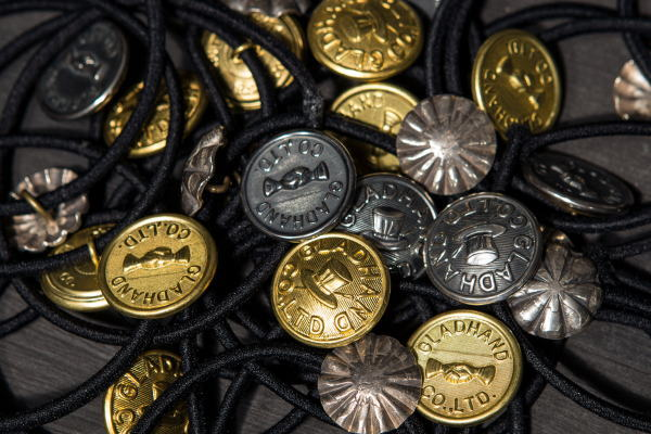 GH BUTTON-HAIR BAND-HAT GH BUTTON-HAIR BAND-SHAKE HAND GH BUTTON-HAIR BAND-COIN