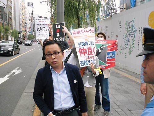 20130609私も、菅野完(noiehoie、ノイホイ)がしばき隊の時に、暴力を振るわれたことがあった