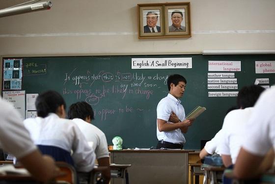 教室に金日成・正日親子の肖像写真-拉致問題が影、揺れる朝鮮学校