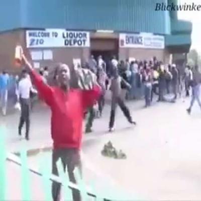 【衝撃!】南アフリカの暴動から暴挙へ・・・・・移民者いじめが見ていられない!