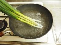 蒸し鶏と大ねぎの辛子酢みそ16
