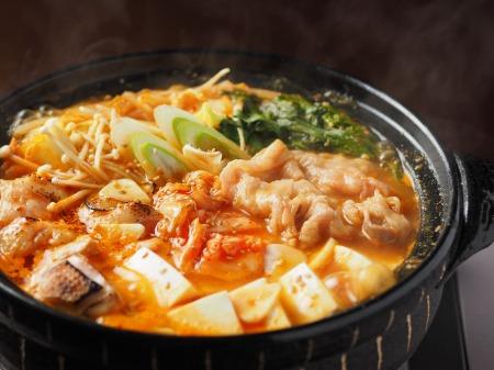 炙り鶏肉と豚バラのキムチ鍋43