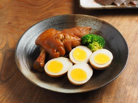 お茶っ葉燻製、煮玉子、豚足07