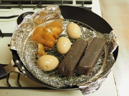 お茶っ葉燻製、煮玉子、豚足29