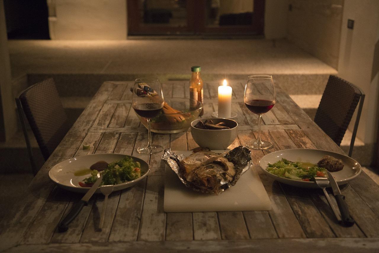 dinner-2065408_1280.jpg