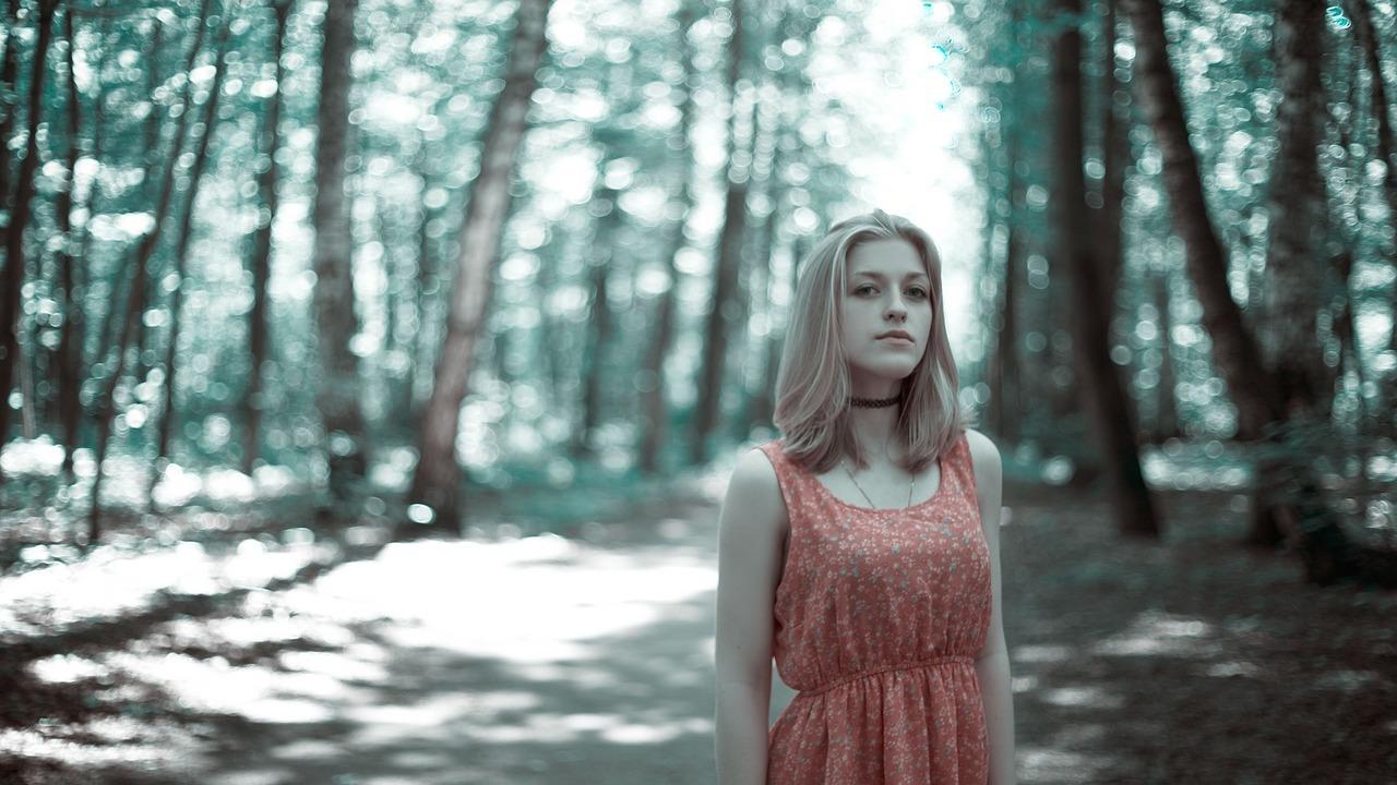 girl-in-the-woods-1968489_1280.jpg