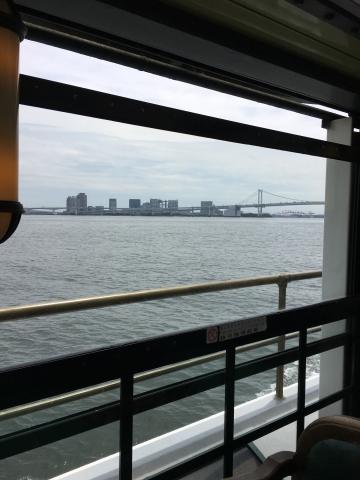 水上バスからのレインボーブリッジ
