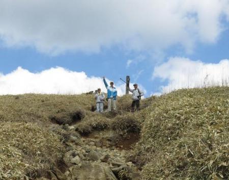 牛尾天山に登る 110