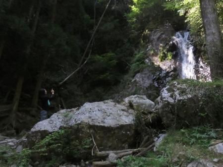 その2不動の滝 104
