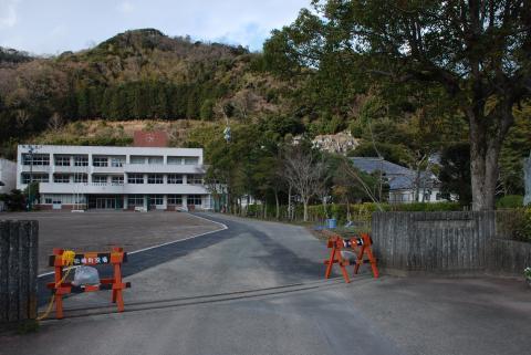 岩科学校5