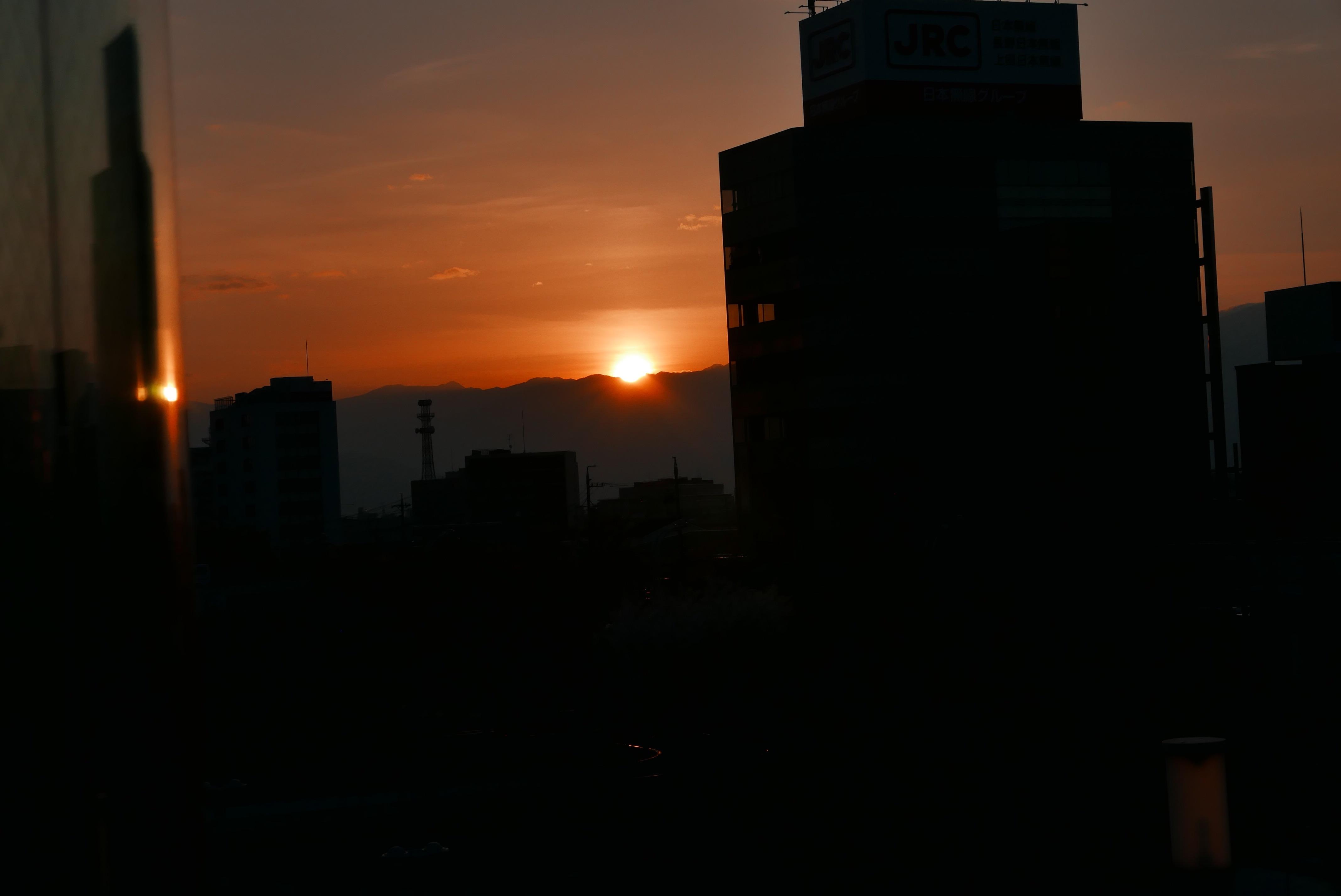 長野の朝日