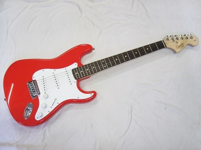 affinity_stratocaster_racered (4)