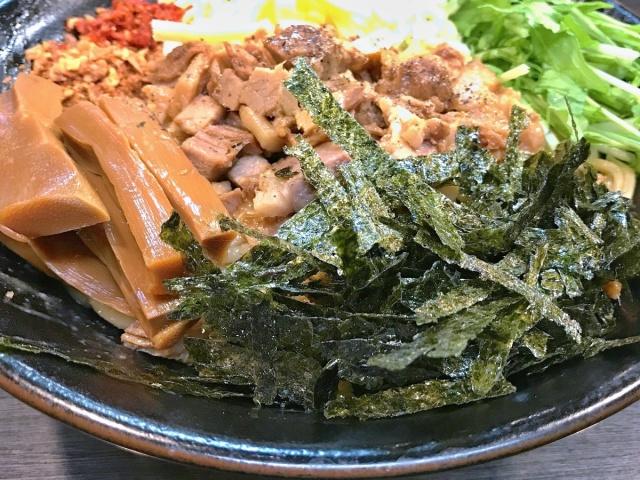 ラーメンつけ麺 奔放 (9)